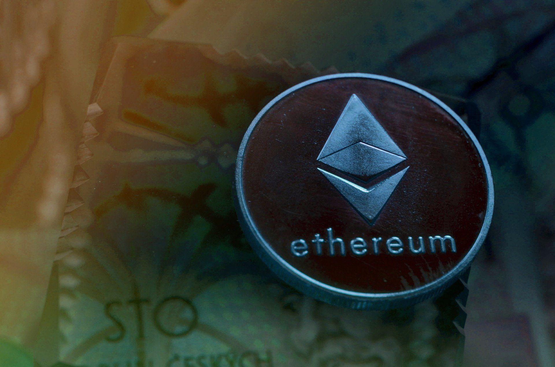Hackernoon logo