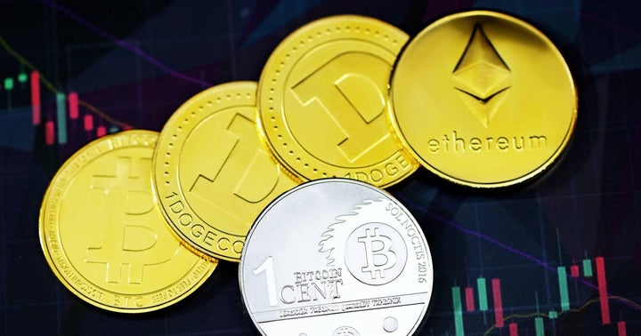 Bitcoin, Ethereum Trade Mostly Flat, Dogecoin In The Red But Cardano And Dash Soar